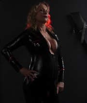 huddersfield-mistress_0307